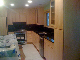 flush-maple-cabinet-kitchen